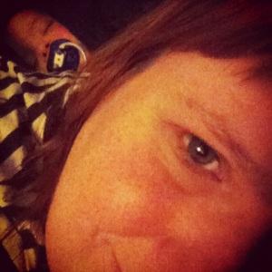 Här har Stella krupit upp på min rygg för att sova...